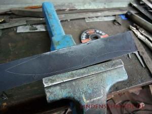 Messerklinge ausschneiden mit dem Winkelschleifer